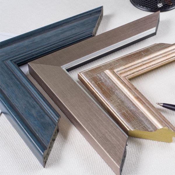 Aran Art Studio frame selection.